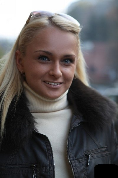 PixAndVideo: Ivana Sugar - Interview with Ivana Sugar 1080p