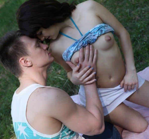 WTFPass: Selena, Igor - Seducing A Sexy Stranger In A Park 720p