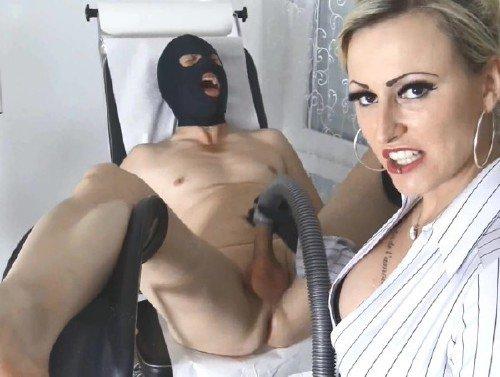 Ladycherienoir: Mistress - Lady Cherie Noir Vacuum Cleaner Fuck 1080p