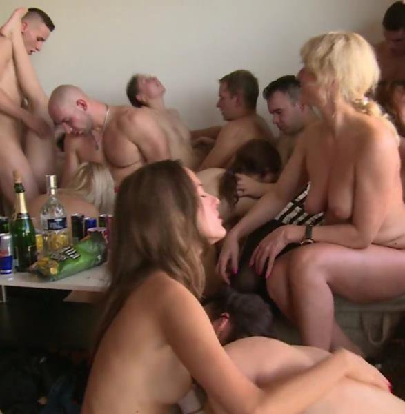 CzechHomeOrgy: Amateur Orgy - Czech Home Orgy 9 Part 7 1080p
