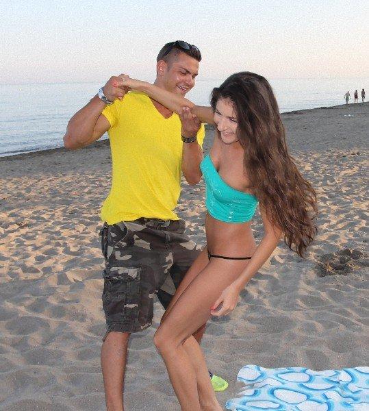 PickupGirls: Agnessa - Pickup Teen On Beach 432p