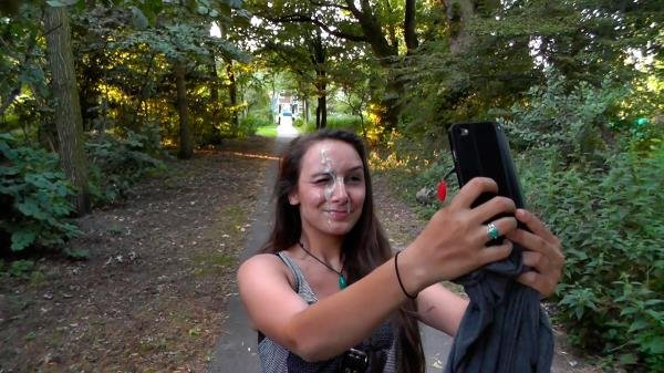 Exhibition: Mariah Leonne - Handjob And Blowjob In The Park 1080p