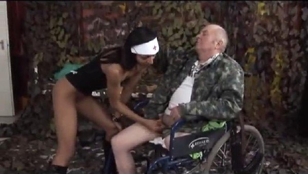 Handicap Sex: Amateur - Handicap Sex In Wheelchair 480p