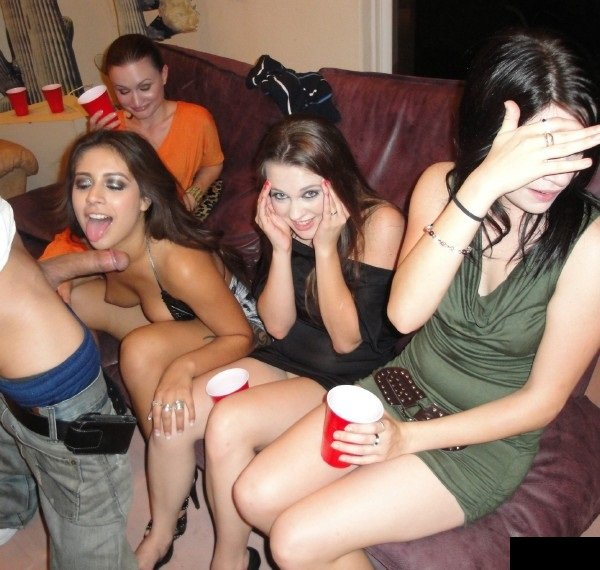 DrunkParty: Jynx Maze - Student Drunk Party 432p