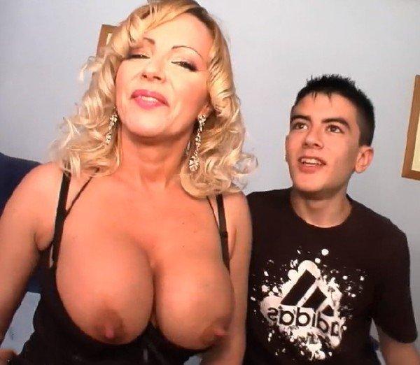 Mature: Jordi - Big Tits Milf Fuck Young Boy 368p