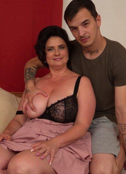 Mature Bbw Porn Star - Mature: Alenia - Sex With Mature BBW Teacher 540p » Nitroflare Porn Video